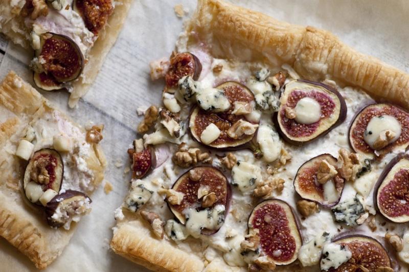 Tarta z figami i serem pleśniowym