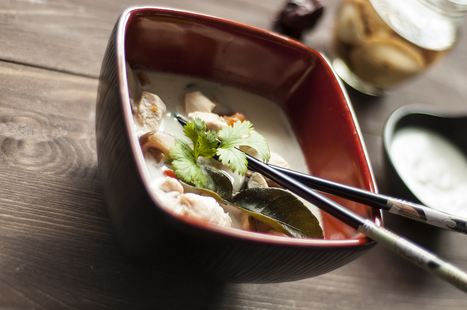 Tom kha gai, tom yum
