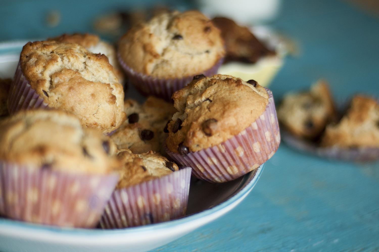 muffiny bananowe z masłem orzechowym i czekoladą