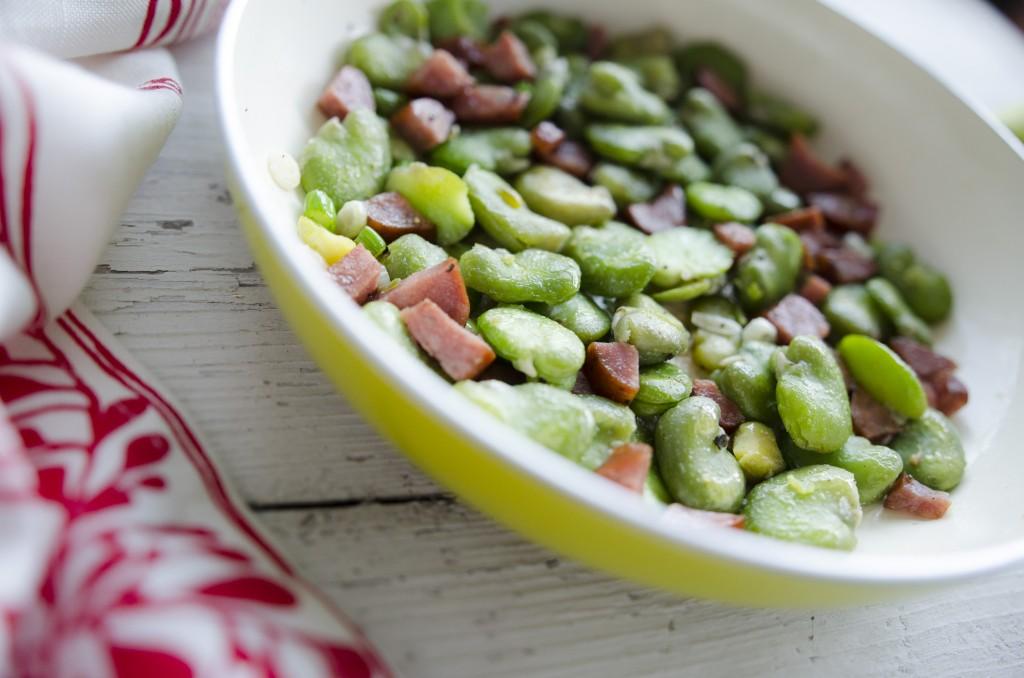 bób smazony z chorizo/chorizo fava bean