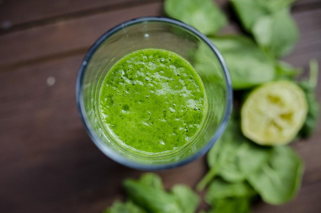 green smoothie/ zielone smoothie szpinak limona banan