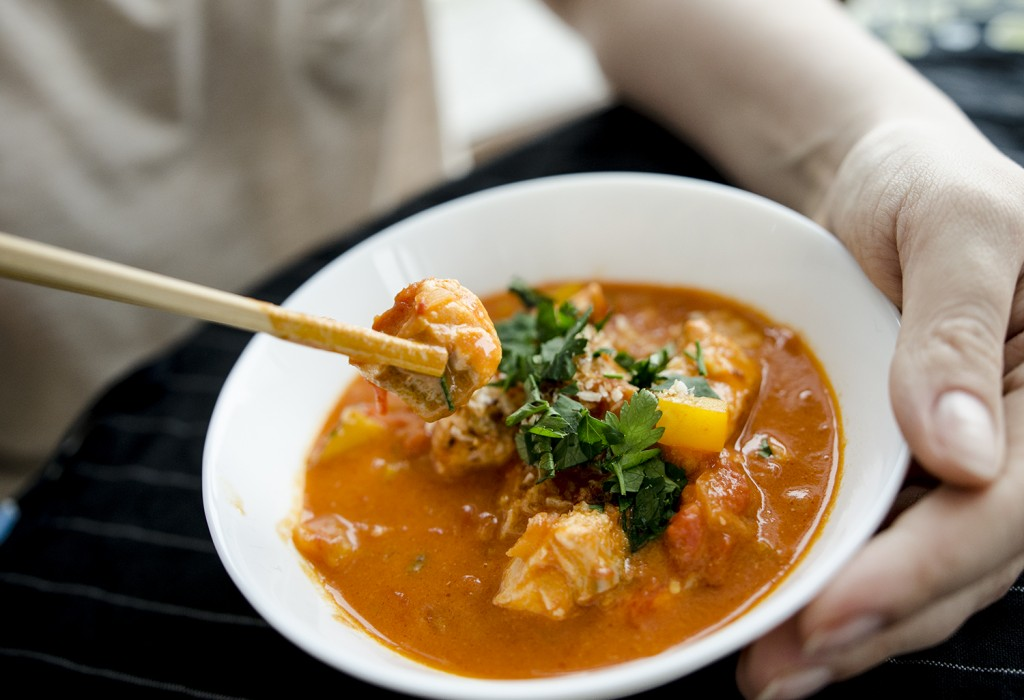 czerwone curry z łososiem